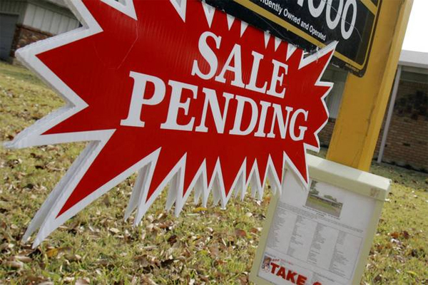 What does it really mean when you see a pending sign attached to a Daytona Beach homes for sale listing?